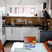 Den 13 - Montujeme kuchyňskou linku